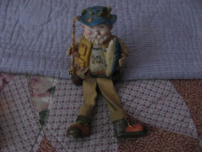 GET REEL OLD MAN FISHERMAN FIGURE Collectible