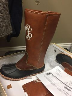 Duck boots size 5