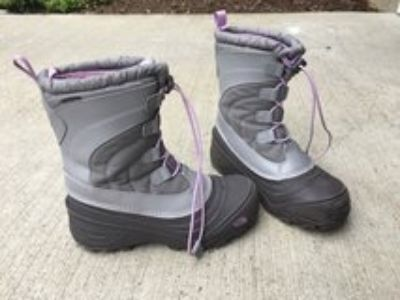 Girls North Face Winter Boots- Like new!