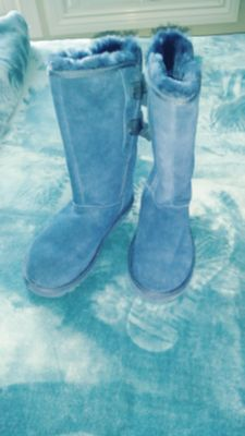 New UGG Blue boots with Bows Size 7