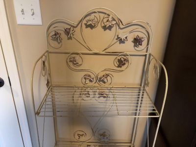 Cream color wire Bakers Rack