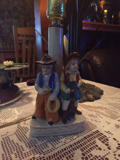VINTAGE WESTERN COWBOY AND COWGIRL LAMP.