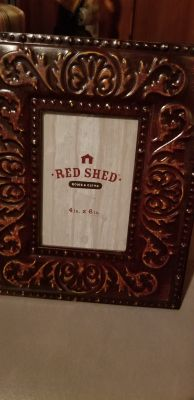 Red shed picture frame