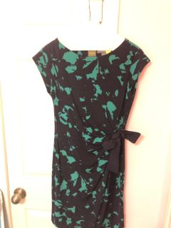 Women s Maternity Dress-EUC