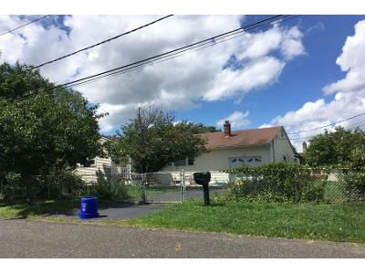 Preforeclosure Property in Manville, NJ 08835 - Saint John St