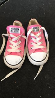 Toddler size 7 converse all-stars pink