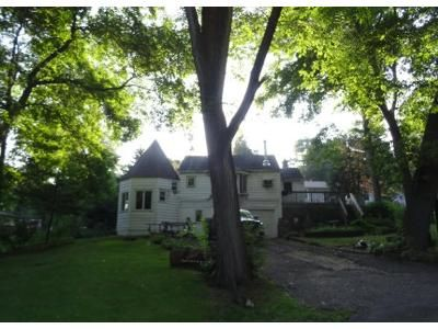 2 Bed 1 Bath Preforeclosure Property in Twin Lakes, WI 53181 - W Spring Dr