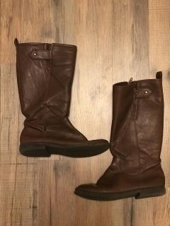 Girls y size 2 riding style boots