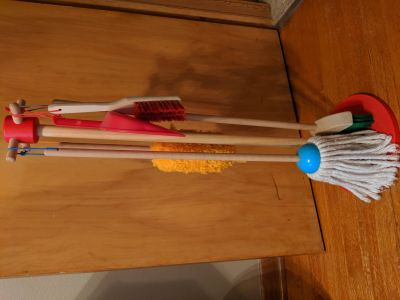 EUC Melissa and Doug mop set