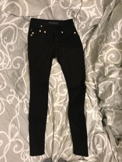 Rock and Republic Size 0 Black skinny Jeans. Never worn.