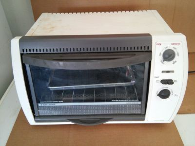 BLACK & DECKER TOASTER OVEN.. GREAT CONDITION
