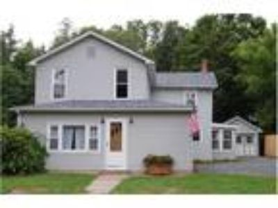 HUGE BACK YARD! You can walk to the park and all restaurants in Downtown Hawley.