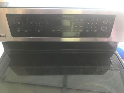 LG STAINLESS STEELE STOVE