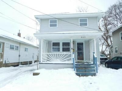 4 Bed 1.5 Bath Foreclosure Property in Lansing, MI 48912 - N Clemens Ave