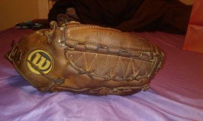Vintage Wilson The A2000 baseball glove