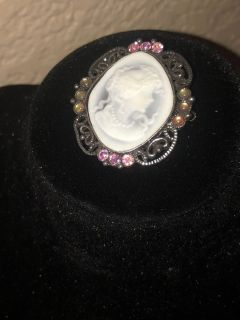 Broach With Box