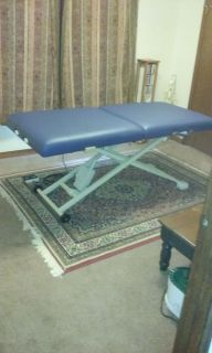 Portable Massage Therapy Table with Electronic Lift (OAKWORKS)