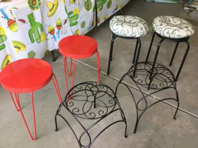 Indoor or outdoor seating tables or plant stands