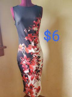 Sleeveless floral dress size S