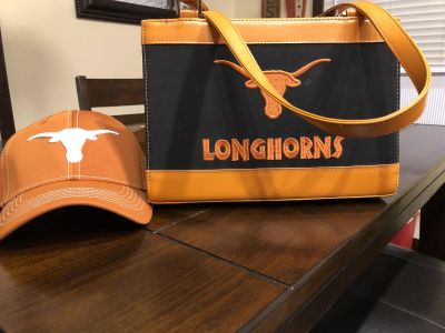 Longhorns hat and purse 6.00