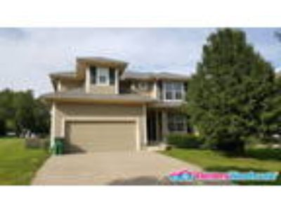 Beautiful Five BR Home in Raymore! Available 07/07
