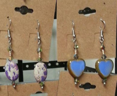 2 brand new pairs of womens earrings