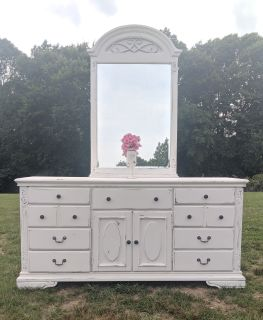 Farmstyle Country White Dresser/Credenza/Buffet w/ Mirror