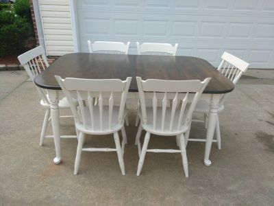 Ethan Allan Table w 6 Chairs