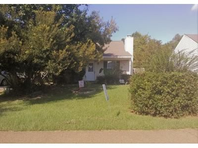 3 Bed 1.0 Bath Preforeclosure Property in Pearl, MS 39208 - Village Cv