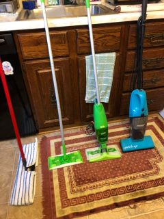 Mops & vacuums