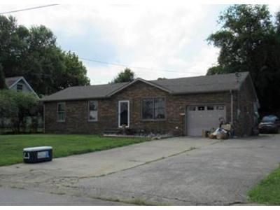 3 Bed 1.5 Bath Foreclosure Property in Clarksville, TN 37042 - Cook Dr