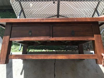 Pier One Solid Wood Coffee Table GUC (Flash Sale)