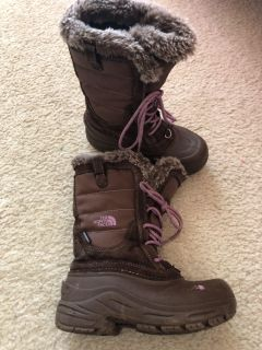 The North Face Girls heat seeker boots, size 13