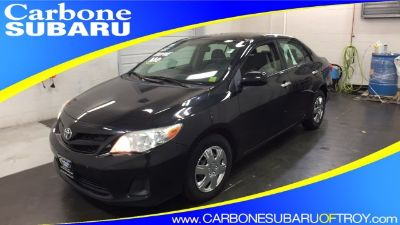 2011 Toyota Corolla Base (black)