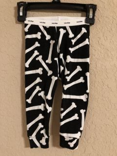 Baby Gap Black And White Dog Bones Brand New Pj s Pants. Perfect Condition. Size 12-18 Months