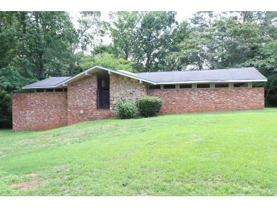 3 Bed 2.5 Bath Foreclosure Property in Eatonton, GA 31024 - Crestview Dr