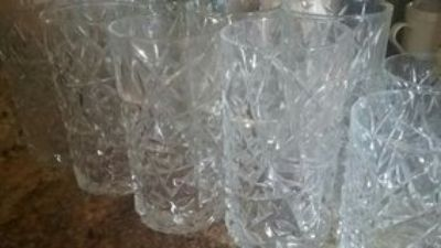 #13 pc drinking glasses #8 taller#5 smaller size no chips good heavy glasses
