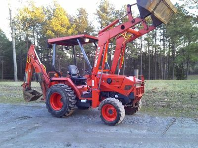 $2,500, for sale Kubota L35 4x4 backhoe loader excellent condition