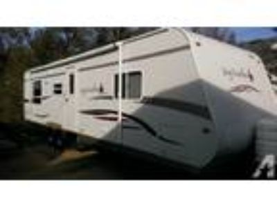 2007 Jayco Jay Feather LGT Series M-31V very clean