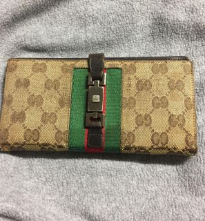 Gucci trifold Wallet for woman