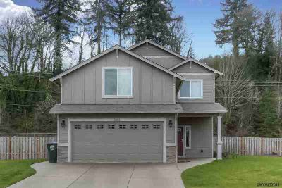 5026 27th Av SE Salem Three BR, Come and experience the Don Lulay