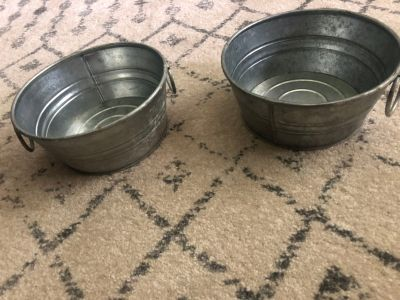 Stainless steel decorative bowls