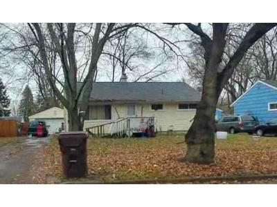 3 Bed 1 Bath Foreclosure Property in Lansing, MI 48910 - Pleasant View Ave