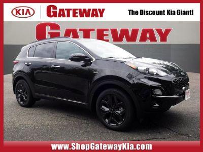 2020 Kia Sportage (Black Cherry Pearl)