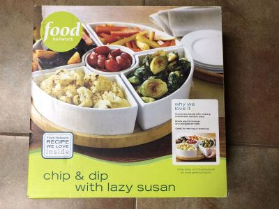 Chip and dip tray with lazy Susan