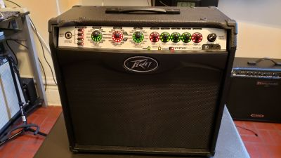 PEAVEY VYPYR VIP II GUITAR AND BASS AMP