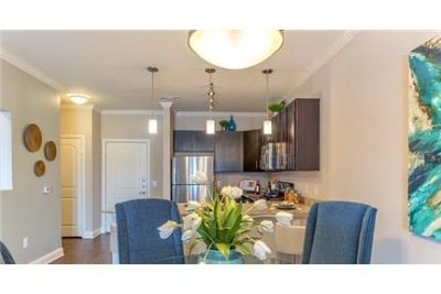 Apartment in quiet area, spacious with big kitchen. Single Car Garage!
