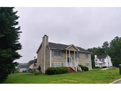 3 Bed 2 Bath Foreclosure Property in Winston Salem, NC 27107 - Glenmont Rd