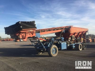 2005 CAS Self Propelled Stone Spreader