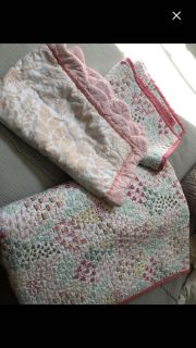 EUC Pillowfort twin quilt with two quilted shams and set of Threshold organic twin sheets. $32 for all.